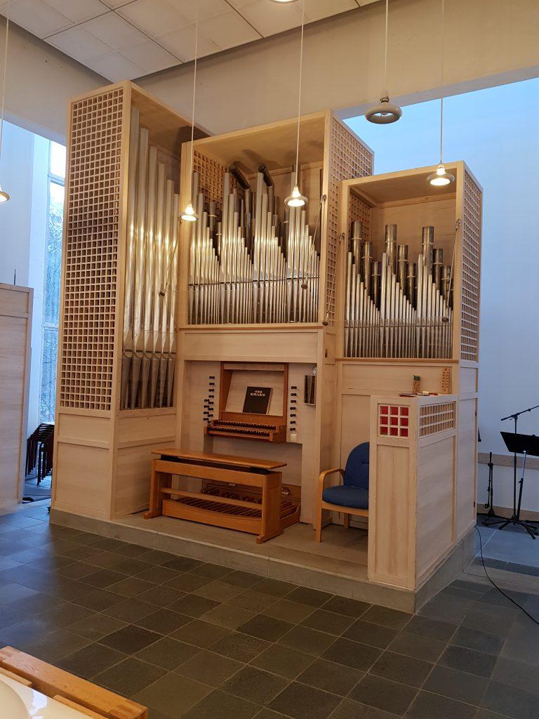 Eidsvåg Kirke